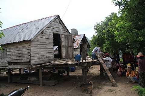 Ngôi nhà của anh Kpa Phu tại buôn Chư Rết, xã Chư Ngọc - Ảnh: B.D.