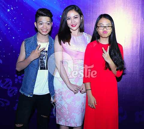 Đồng hành củng Quang Anh trong đêm nhạc còn có ca sĩ nhí Phương Mỹ Chi.