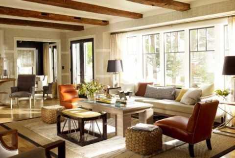 Nếu trần nhà phòng khách có xà ngang sẽ tạo cảm giác bị đè nén, chia tách các thành viên trong gia đình.