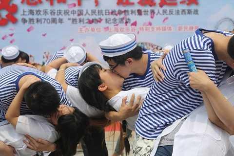 70 cặp vợ chồng cùng tham gia sự kiện được tổ chức ở Thượng Hải
