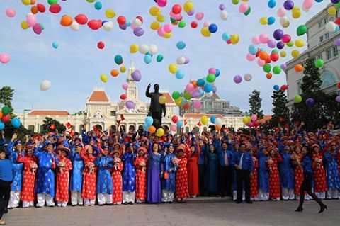 Lễ cưới tập thể với 100 cặp cô dâu, chú rể ở TP.HCM