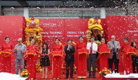 Lễ cắt băng khai trương Vincom Quang Trung