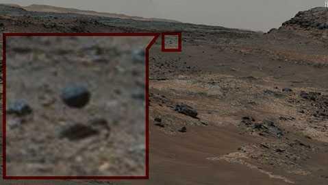 Viên đá biết bay trên Sao Hỏa, thậm chí có cả bóng?