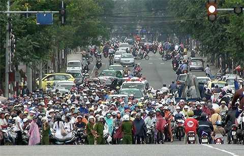 Đà Nẵng vừa có văn bản gửi Văn phòng Chính phủ xin ý kiến chủ trương không thu phí bảo trì đường bộ đối với mô tô, xe máy trên địa bàn.