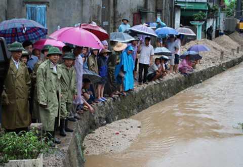 Hiện vẫn chưa tìm thấy tung tích bà Mai bị nước cuốn mất tíchtrong cơn mưa lớn ở Quảng Ninh