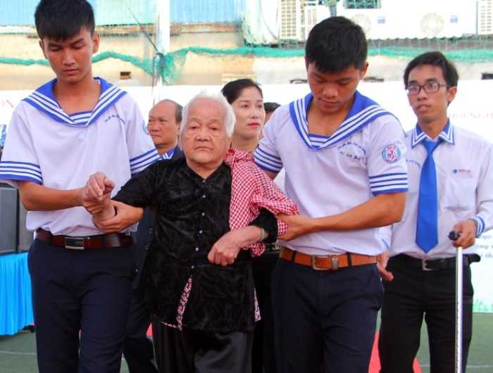 Năm nay, trường THPT Nhân Việt thiết kế lễ khai giảng nhằm chào mừng 70 năm ngày Quốc khánh nên ngoài những phần lễ cơ bản, còn lồng ghép chương trình