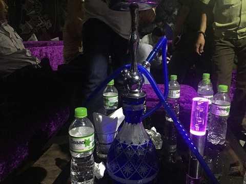 Dụng cụ dùng hút thuốc shisha tại nhà hàng P.S. - Ảnh: Mã Phong