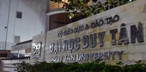 Thanh tra TP Đà Nẵng vừa tiến hành thanh tra đối với Trường đại học dân lập Duy Tân (DTU) và phát hiện trường này sử dụng giảng viên người nước ngoài giảng dạy chưa có giấy phép.