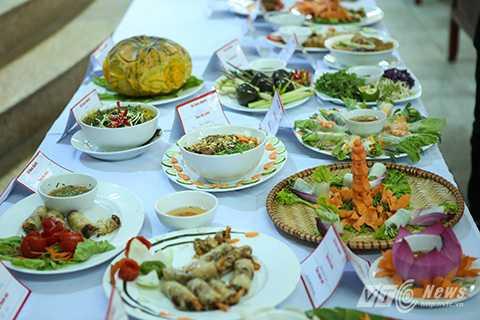 Những món ăn cầu kỳ, ngon miệng và đẹp mắt được các bạn sinh viên thể hiện trong cuộc thi