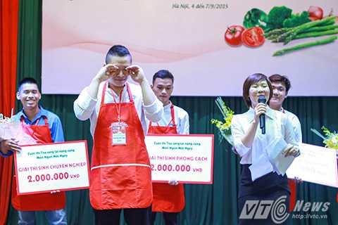 Huy Hiếu bật khóc khi biết món ăn của mình đạt giải nhất trong cuộc thi