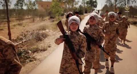 IS đào tạo các chiến binh nhí