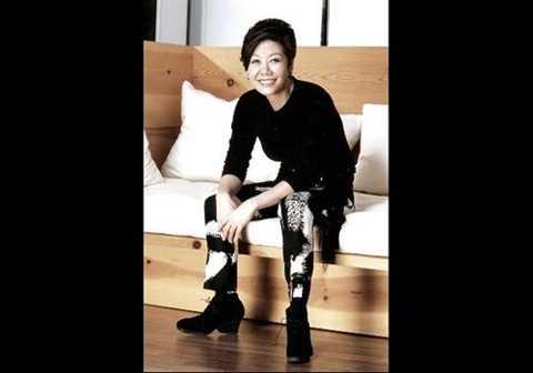 Bà xếp thứ 16 trong danh sách 50 người giàu nhất Hàn Quốc và đúng thứ 4 trong danh sách nữ, sau 2 con gái và em gái của Chủ tịch Samsung. Ảnh: Forbes.