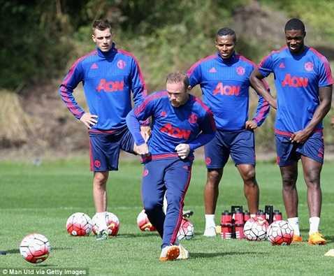 Rộ thông tin Rooney có thể lỡ đại chiến đêm nay