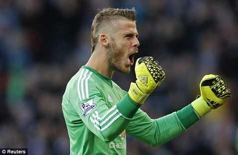 De Gea ăn mừng rất vui vẻ sau bàn thắng của đồng đội