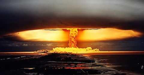 Một viễn cảnh về việc đánh bom hạt nhân trên sao Hỏa.