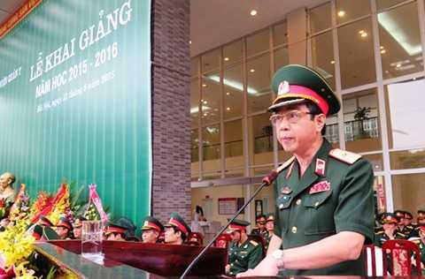 Thiếu tướng, GS, TS Đỗ Quyết, Giám đốc Học viện Quân y phát biểu tại buổi lễ.
