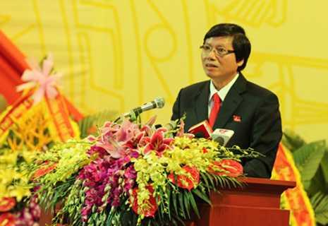 Đồng chí Trần Đăng Ninh, Phó Bí thư TT Tỉnh ủy trình bày tại Đại hội.