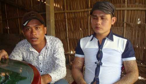 Hai anh Trần Hol (trái) và Thạch Sô Phách (phải) sau khi được giải oan đã tố cáo các điều tra viên dùng nhục hình