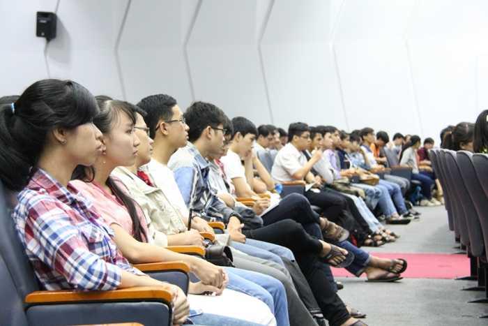 Chương trình thu hút hơn 700 sinh viên tham gia.