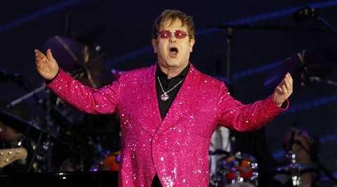 Huyền thoại âm nhạc Anh Elton John