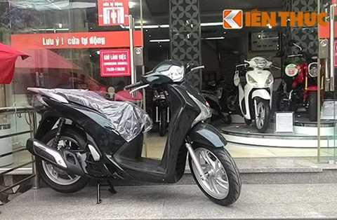 So với giá niêm yết là 67 và 81 triệu đồng của hãng Honda Việt Nam thì giá bán tại các đại lý cao hơn từ 6 đến 8 triệu đồng.
