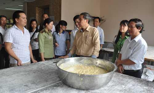 Bánh Trung thu Bảo Phương tạm bị đình chỉ.