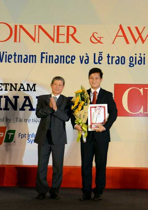 Phó Tổng Giám đốc VietinBank Trần Công Quỳnh Lân nhận giải Lãnh đạo CNTT Đông Nam Á tiêu biểu.