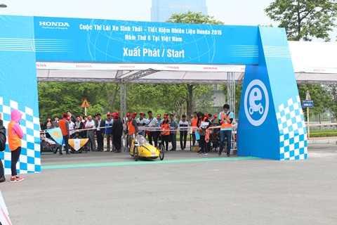 Chiếc xe của đội Đại học GTVT Hà Nội về nhì với kết quả 999 km/lít xăng trong cuộc thi năm ngoái
