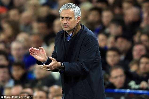 Mourinho tự nhận là HLV siêu đẳng