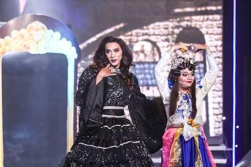 Thuận Nguyễn giả gái gây ấn tượng trên sân khấu Cùng nhau tỏa sáng