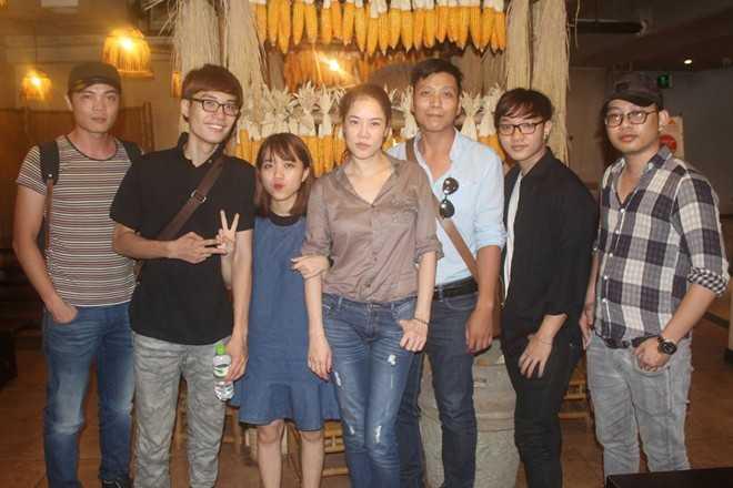 Chiều 23/9, Thu Phương cùng các học trò có buổi tập chuẩn bị cho show tại Hải Phòng vào cuối tháng.