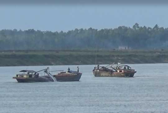 Sông Lam đoạn chảy qua địa bàn huyện Anh Sơn trong thời gian gần đây xảy ra nhiều vụ đuối nước.