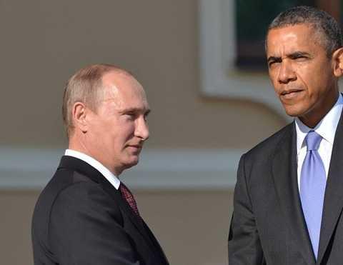 Tổng thống Mỹ Barack Obama (phải) sẽ gặp người đồng cấp Nga Putin để bàn các vấn đề nóng