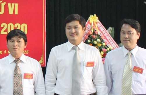 Ông Lê Phước Hoài Bảo (đứng giữa) tân Giám đốc Sở KH&ĐT tỉnh Quảng Nam