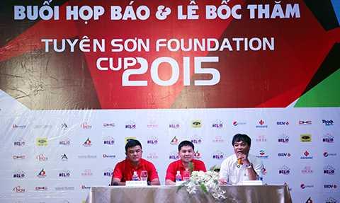 Chiều 24/9, Sở VH-TT và DL Đà Nẵng cùng Công ty Khởi Phát tổ chức Họp báo và Lễ bốc thăm giải bóng đá Tuyên Sơn Foundation Cup 2015.