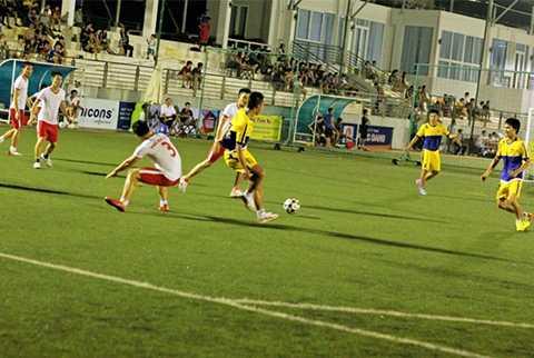 Tuyên Sơn Foundation Cup 2015 có sự tham dự của 144 đội bóng với khoảng 2.000 cầu thủ nghiệp dư tham dự thi đấu từ ngày 26/9 đến 14/11/2015 tại Làng thể thao Tuyên Sơn (Đà Nẵng)