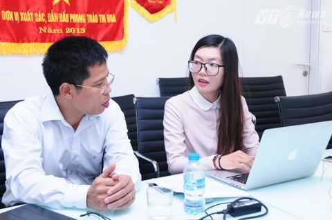 TS Nguyễn Văn Sơn, Phó Viện trưởng, Viện sức khỏe nghề nghiệp và môi trường đang trả lời độc giả. Ảnh: Tùng Đinh