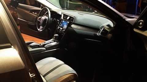 Động cơ mới của Civic 2016 chỉ