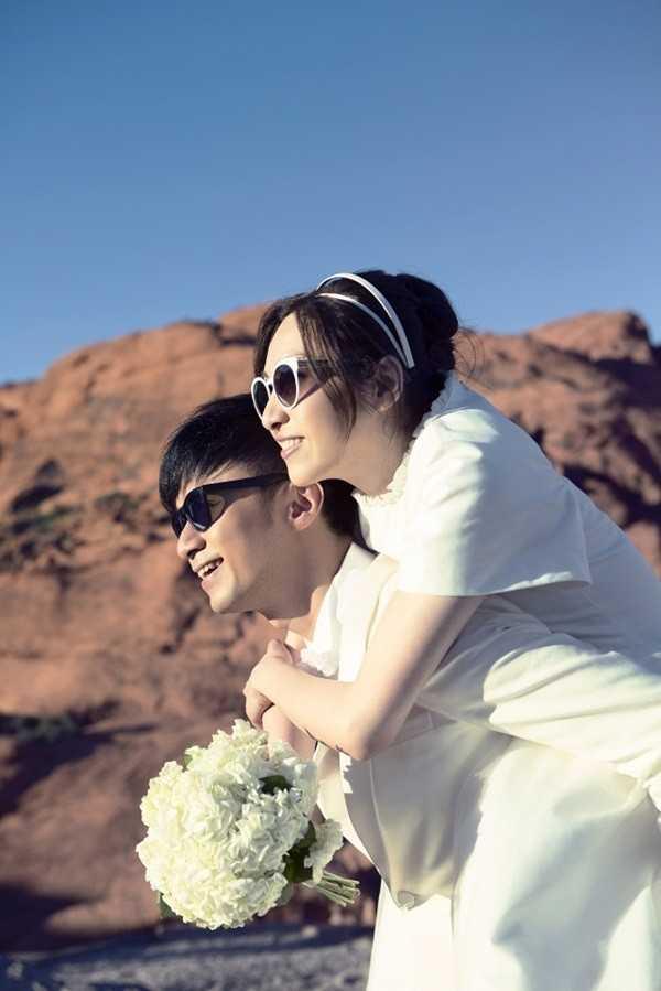 Họ chụp ảnh cưới ở Mỹ.