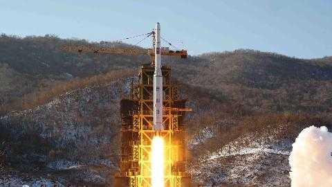 Tên lửa Unha-3 của Triều Triên rời bệ phóng