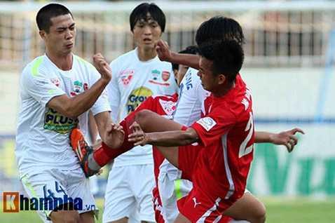 Công Phượng sang Nhật sau khi không thể hiện được tài năng ở V-League