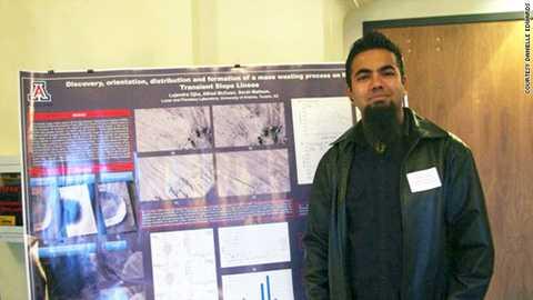 Jujendra Ojha công bố phát hiện của mình năm 2011. Ảnh: CNN
