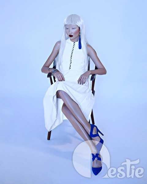 Tính chất high fashion được Thanh Khoa đề cao trong từng shoot hình. Bên cạnh dáng vẻ mạnh mẽ, quái dị, có lúc
