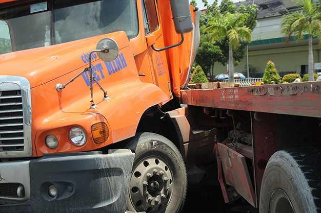 Chiếc xe đầu kéo container gây ra tai nạn kinh hoàng - Ảnh: Đức Phú