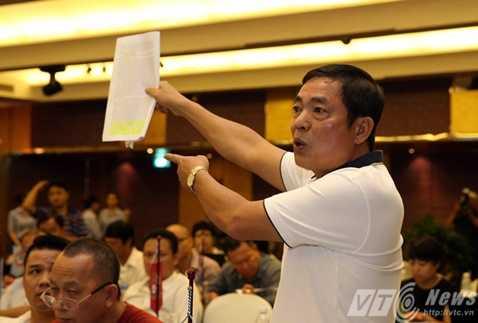 Bầu Hùng phát biểu rất gay gắt tại buổi lễ tổng kết sáng qua 28/9