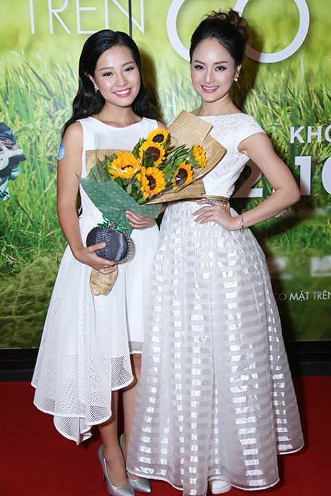 Cùng đến chúc mừng ra mắt phim còn có nữ diễn viên Lan Phương.