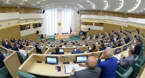 Thượng viện Nga thông qua việc đưa quân ra nước ngoài hoạt động