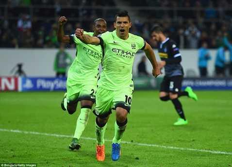 Aguero giúp Man City có 3 điểm đầu tiên