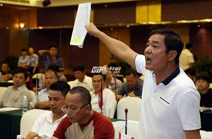 Chủ tịch Hải Phòng tố VPF làm ăn quan liêu (Ảnh: Quang Minh)