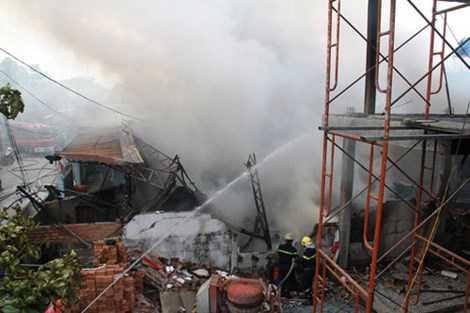 Hiện vẫn chưa ước tính được thiệt hại do đám cháy gây nên.